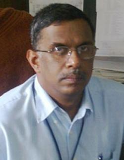 dr-radhesh-principal.jpg